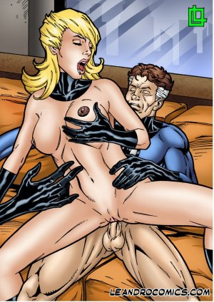 Invisible Woman save the Fantastic Foursome - Page 23